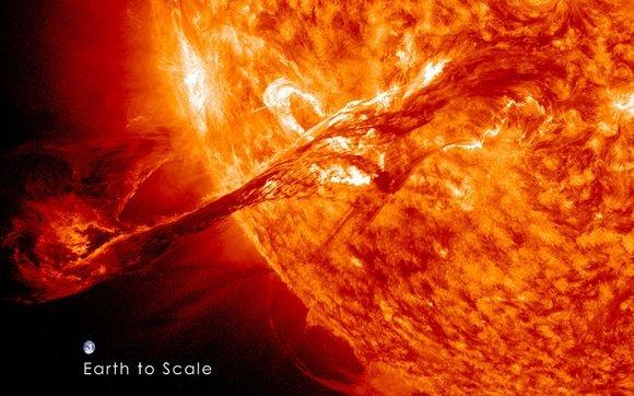 Photomontage de l'éruption solaire du 31. Crédits : NASA/GSFC/SDO.